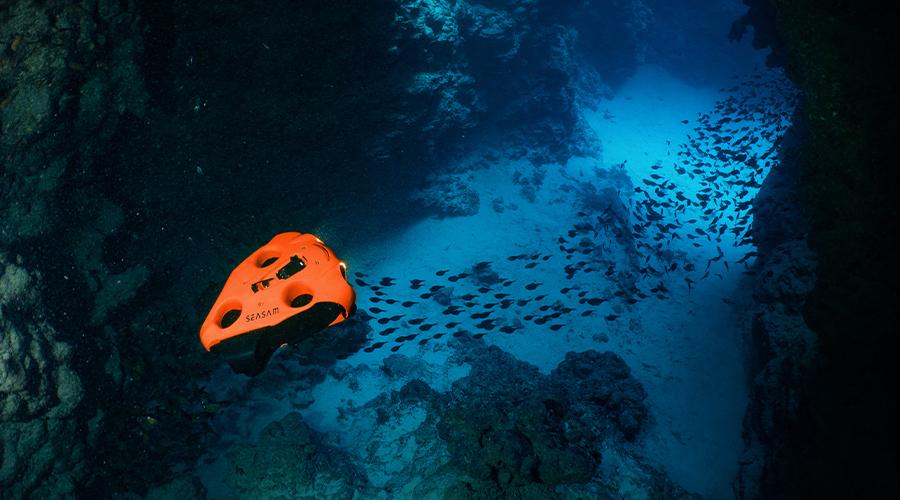 Erste kompakte und drahtlose Hybrid-Unterwasserdrohne Seasam von Notilo Plus